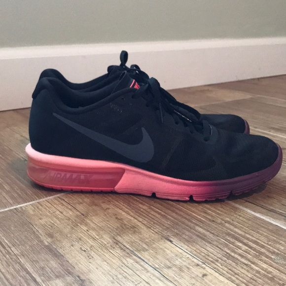 Nike Air Max Sequent size 8